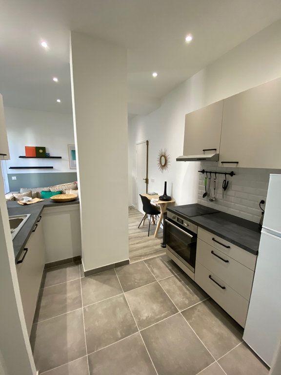 Appartement à louer 2 31.59m2 à Nice vignette-2
