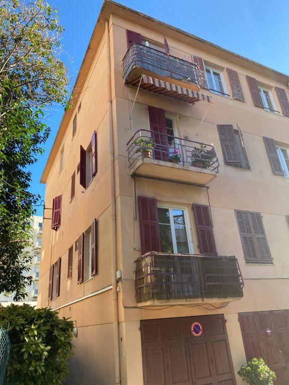 Appartement à louer 2 31.59m2 à Nice vignette-5