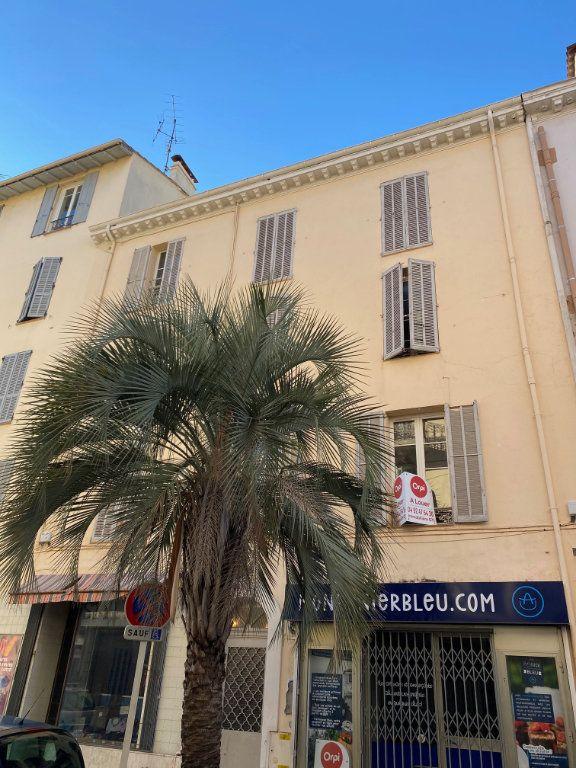 Appartement à louer 2 31.6m2 à Cannes vignette-1