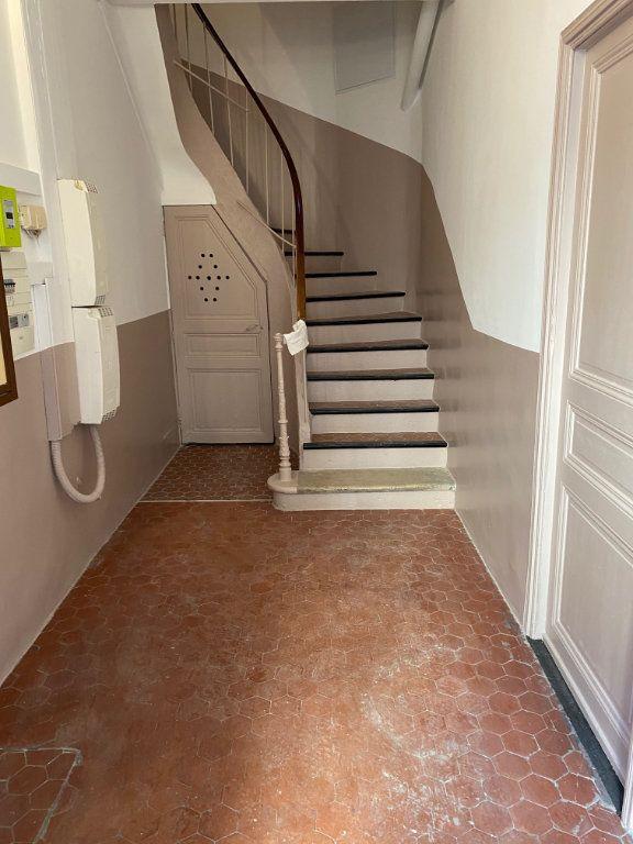 Appartement à louer 2 31.6m2 à Cannes vignette-7