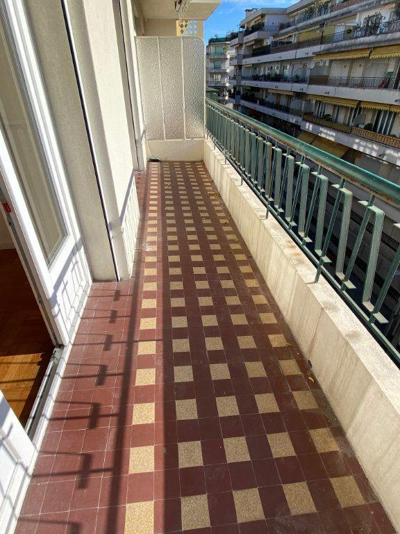Appartement à louer 3 77.12m2 à Nice vignette-1