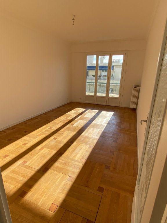 Appartement à louer 3 77.12m2 à Nice vignette-3