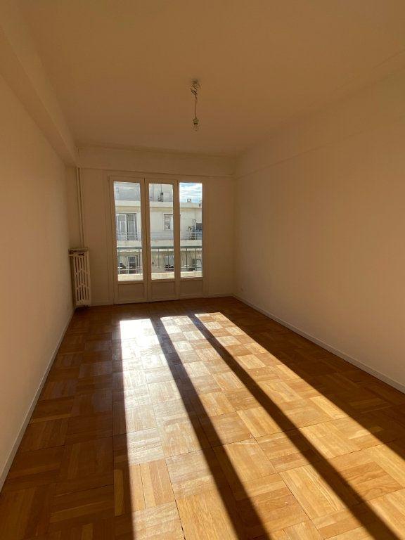 Appartement à louer 3 77.12m2 à Nice vignette-4