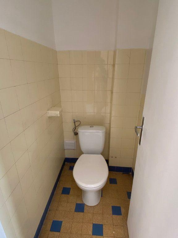 Appartement à louer 3 77.12m2 à Nice vignette-9