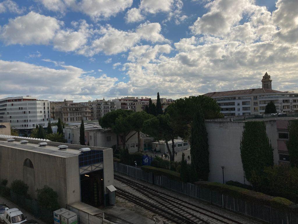 Appartement à louer 3 59.51m2 à Nice vignette-2