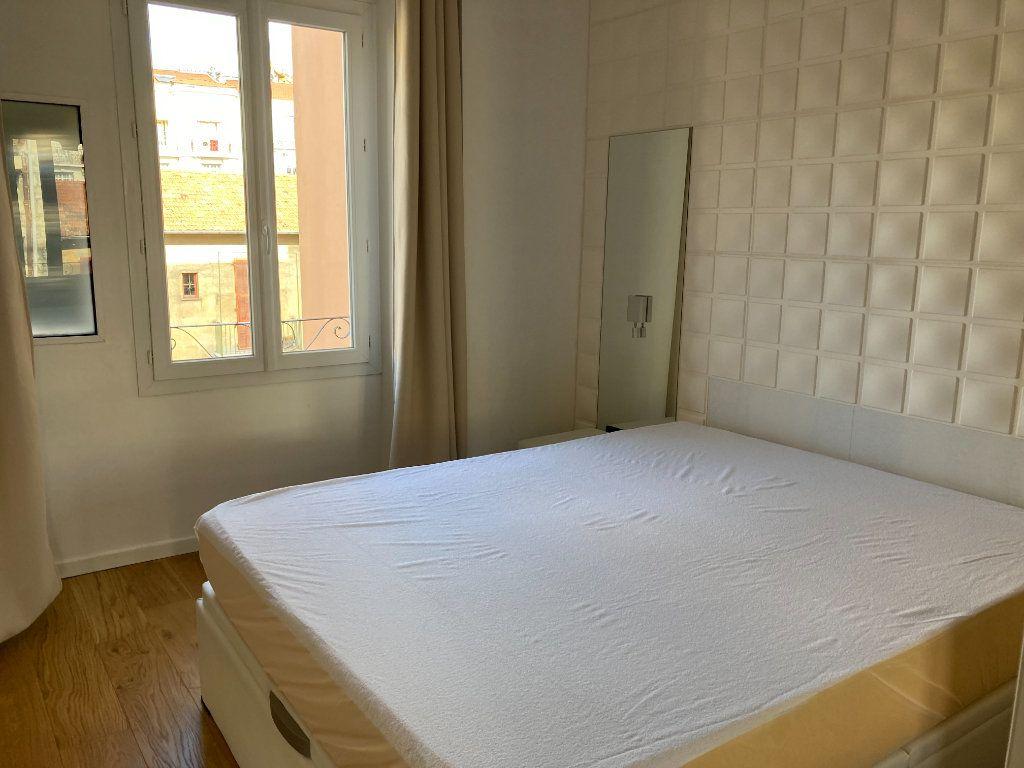 Appartement à louer 3 59.51m2 à Nice vignette-6
