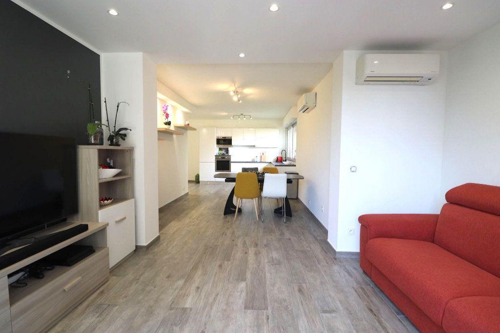 Appartement à vendre 3 66.12m2 à Nice vignette-2