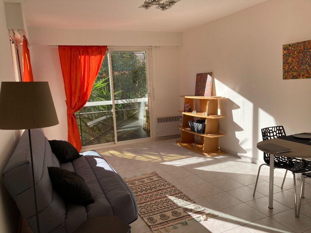 Appartement à louer 1 25.22m2 à Nice vignette-2
