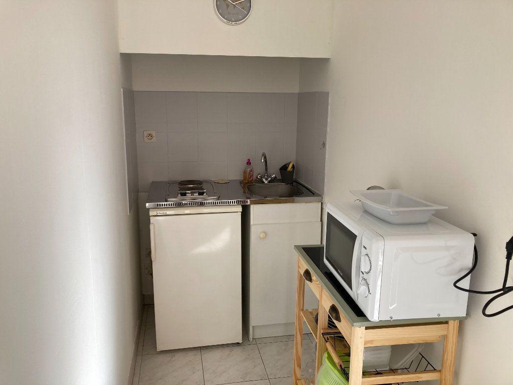 Appartement à louer 1 25.22m2 à Nice vignette-4