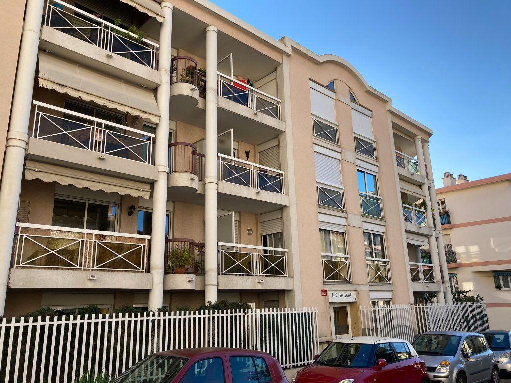Appartement à louer 1 25.22m2 à Nice vignette-6