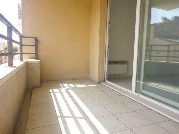 Appartement à vendre 3 54.15m2 à Saint-Laurent-du-Var vignette-1