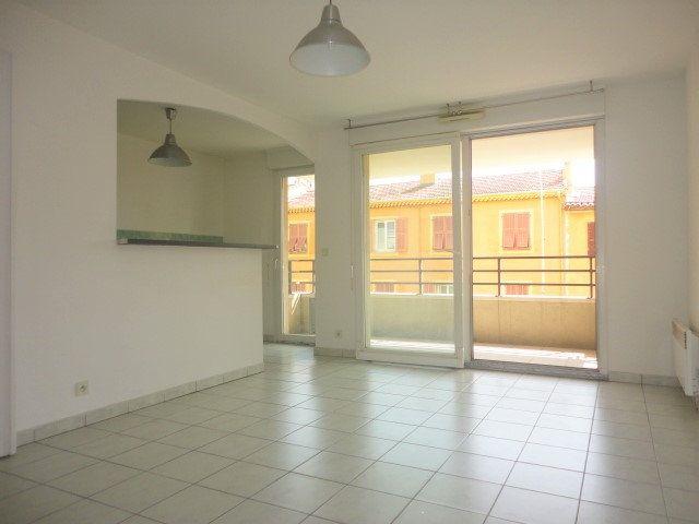 Appartement à vendre 3 54.15m2 à Saint-Laurent-du-Var vignette-2
