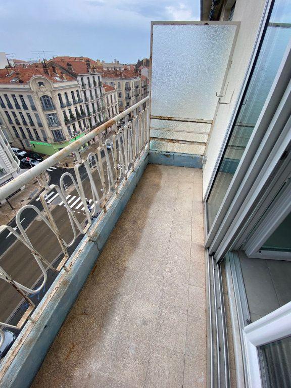 Appartement à louer 2 54m2 à Cannes vignette-1