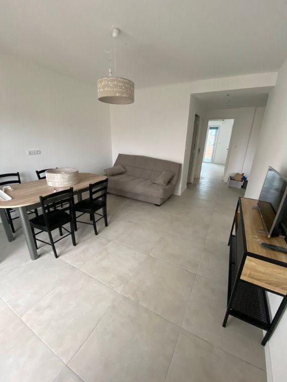 Appartement à louer 2 54m2 à Cannes vignette-10
