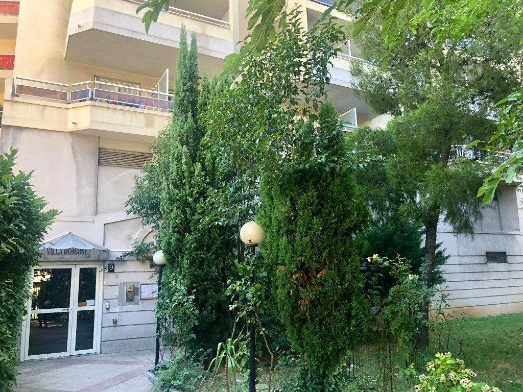 Appartement à louer 1 19.36m2 à Nice vignette-1