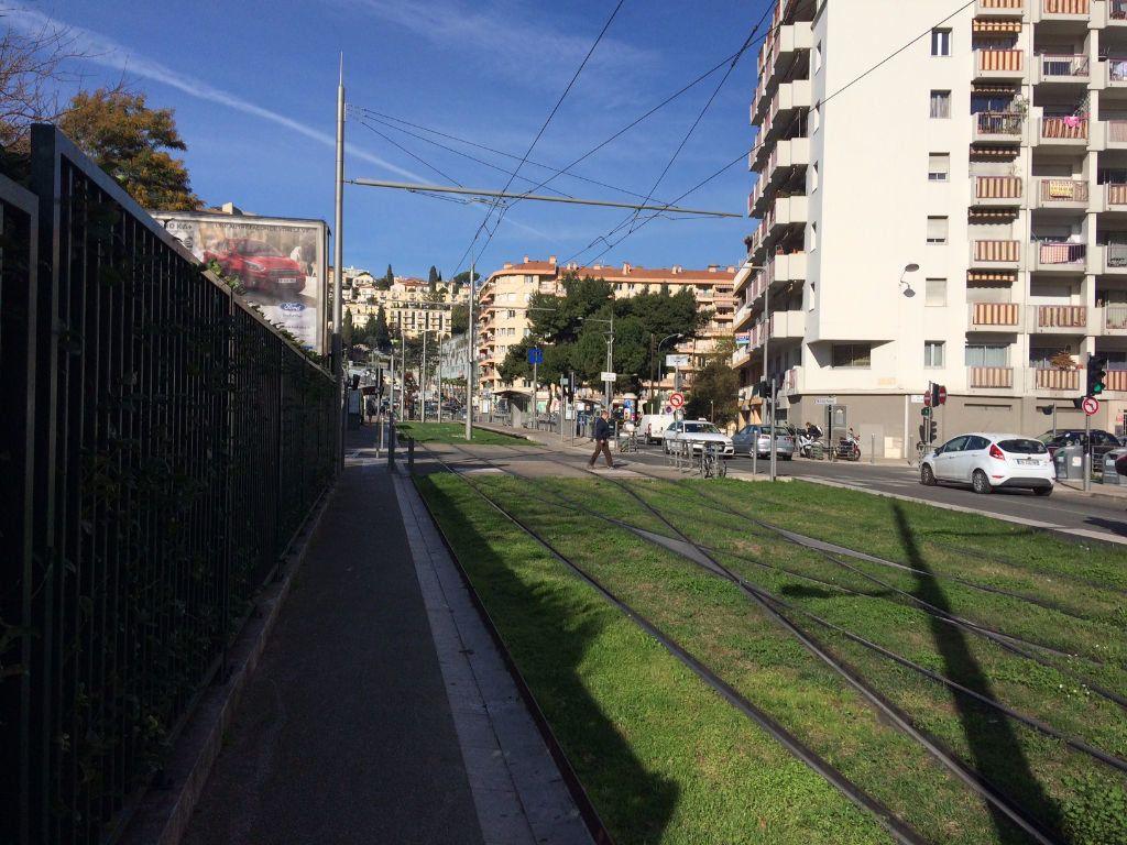 Appartement à louer 1 19.36m2 à Nice vignette-8