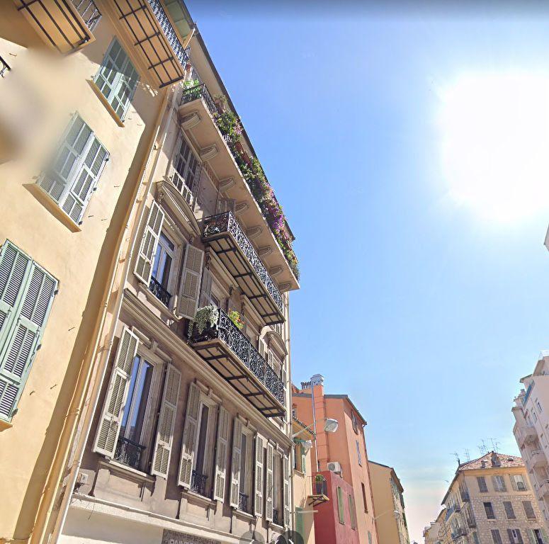 Appartement à louer 1 30.02m2 à Nice vignette-1