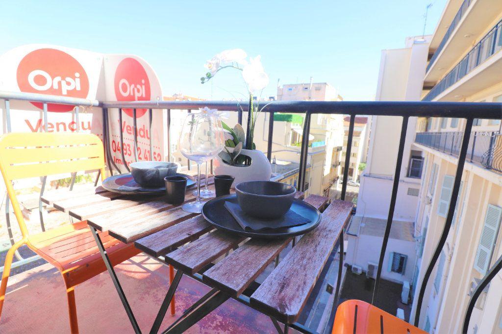 Appartement à vendre 1 27m2 à Nice vignette-1