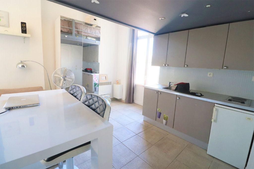 Appartement à vendre 1 27m2 à Nice vignette-2