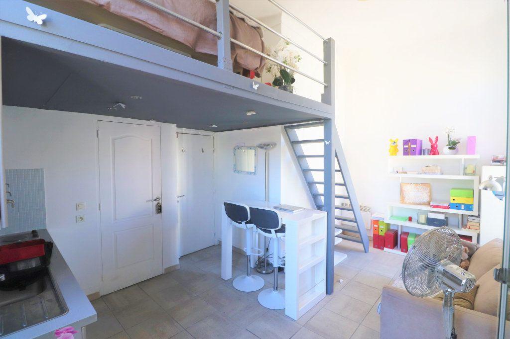 Appartement à vendre 1 27m2 à Nice vignette-3