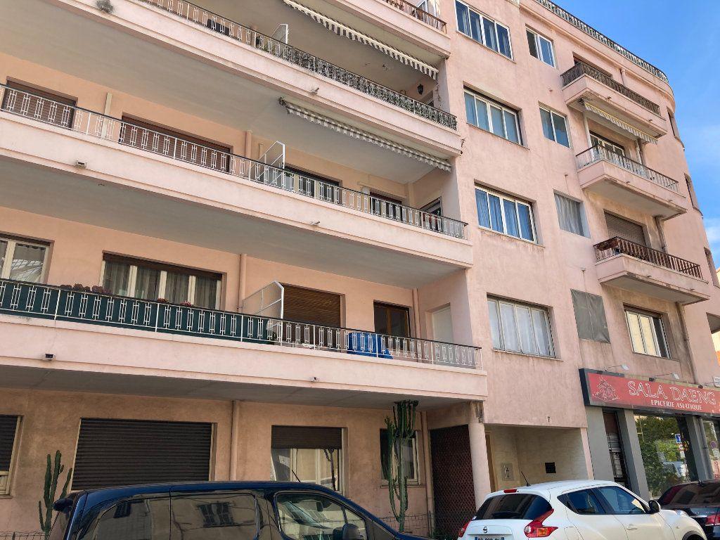 Appartement à louer 2 40.06m2 à Nice vignette-1