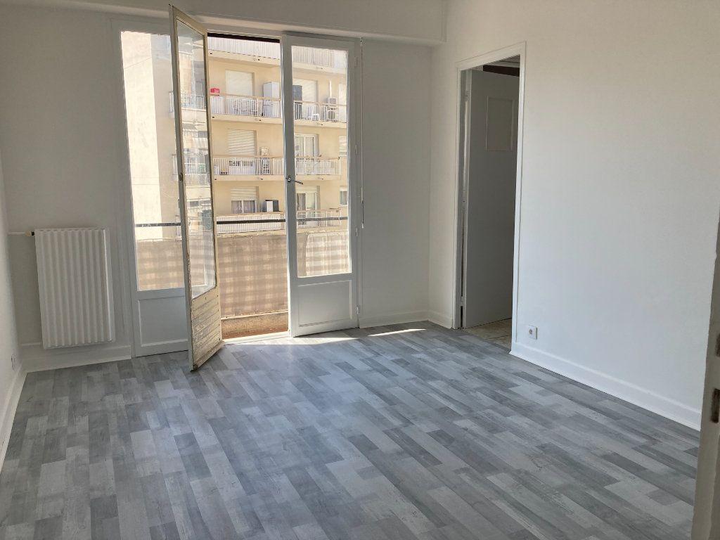 Appartement à louer 2 40.06m2 à Nice vignette-4