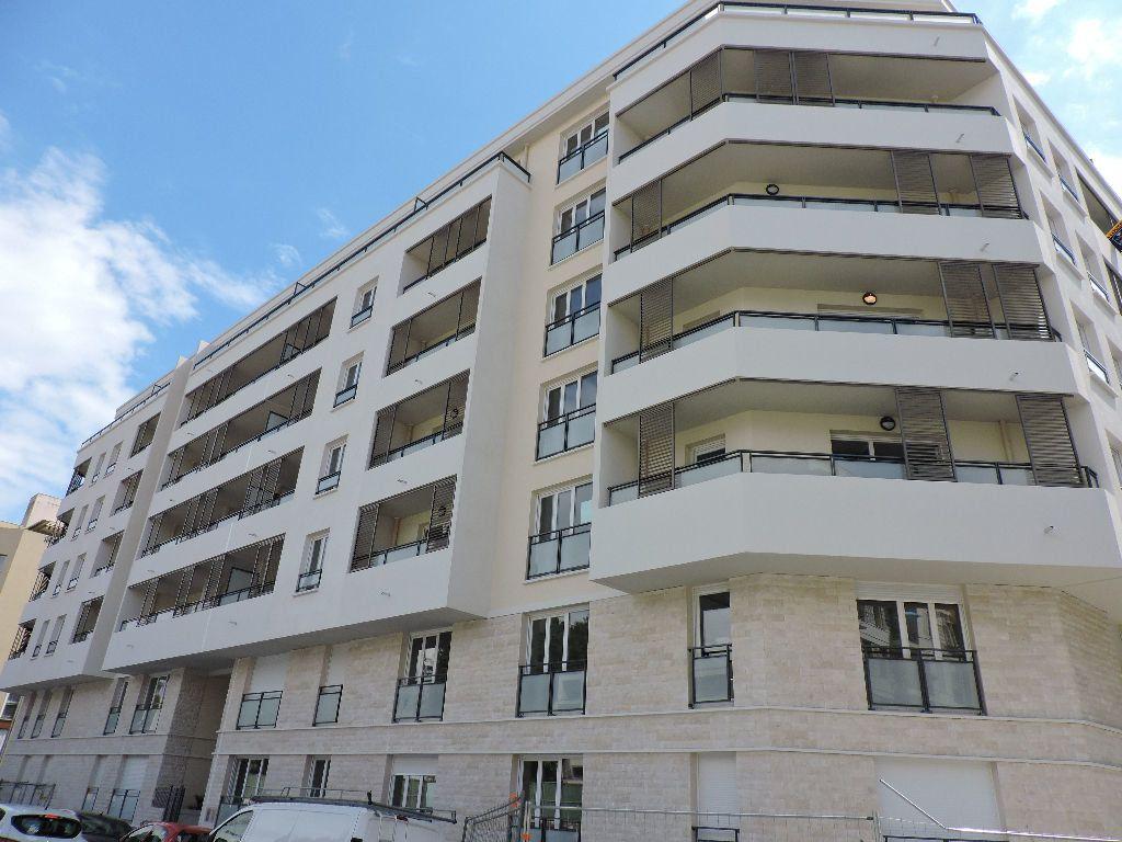 Appartement à louer 1 29.1m2 à Nice vignette-1
