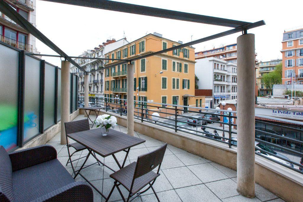Appartement à vendre 3 72.03m2 à Nice vignette-1