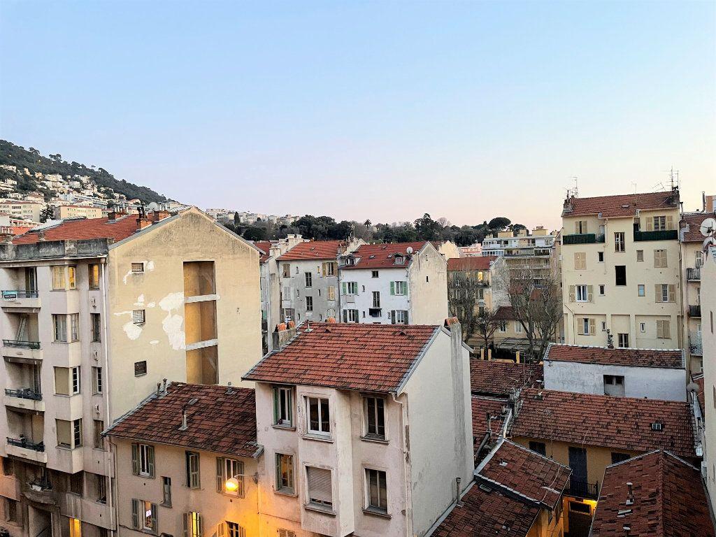 Appartement à vendre 3 66.05m2 à Nice vignette-1