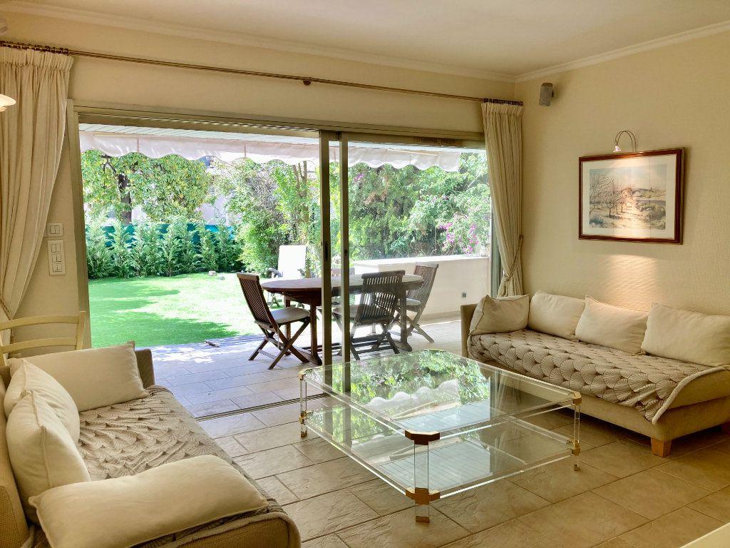 Appartement à louer 3 50m2 à Cannes vignette-4