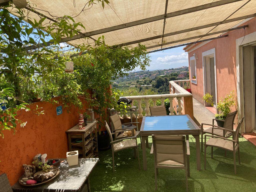 Maison à louer 5 176m2 à Nice vignette-4