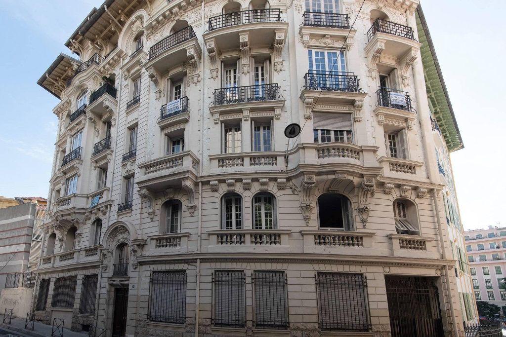 Appartement à louer 4 81.04m2 à Nice vignette-1
