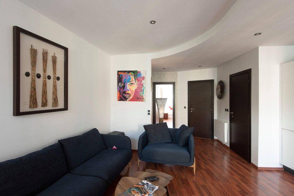 Appartement à louer 4 81.04m2 à Nice vignette-2