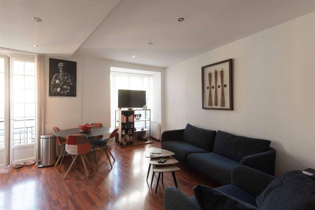 Appartement à louer 4 81.04m2 à Nice vignette-4