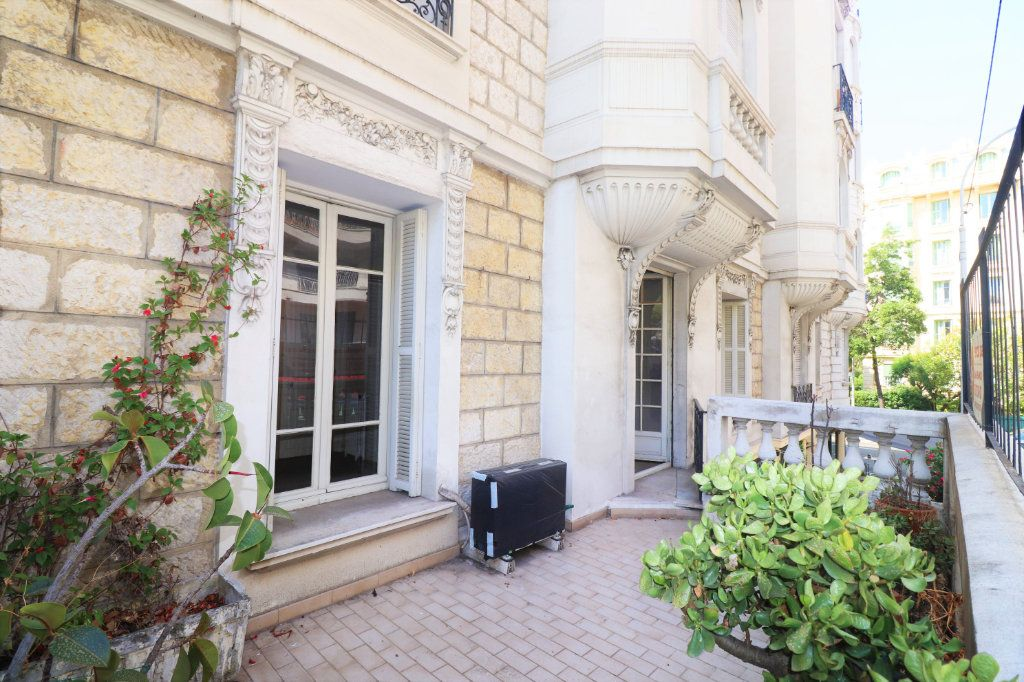 Appartement à vendre 3 78m2 à Nice vignette-1