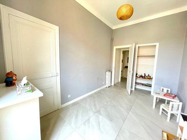 Appartement à vendre 4 108.2m2 à Nice vignette-14