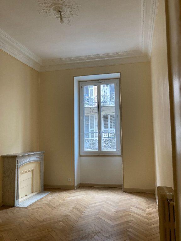 Appartement à louer 4 97m2 à Nice vignette-2