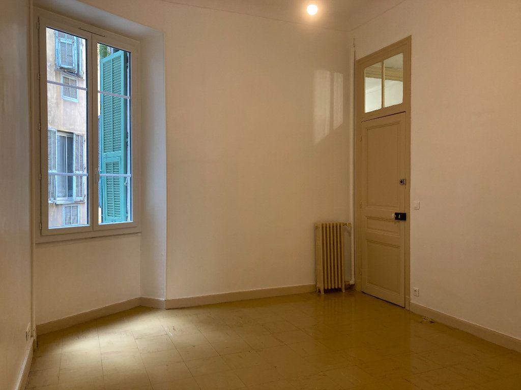 Appartement à louer 4 97m2 à Nice vignette-7