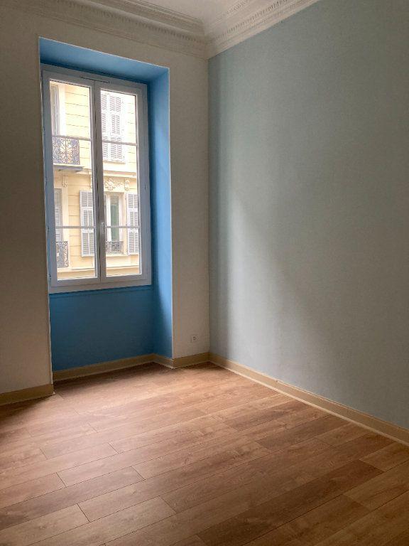 Appartement à louer 4 97m2 à Nice vignette-8