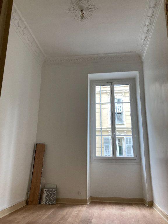 Appartement à louer 4 97m2 à Nice vignette-9