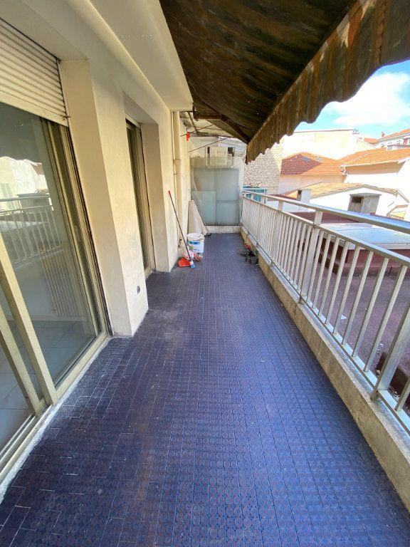 Appartement à louer 2 45.46m2 à Nice vignette-2
