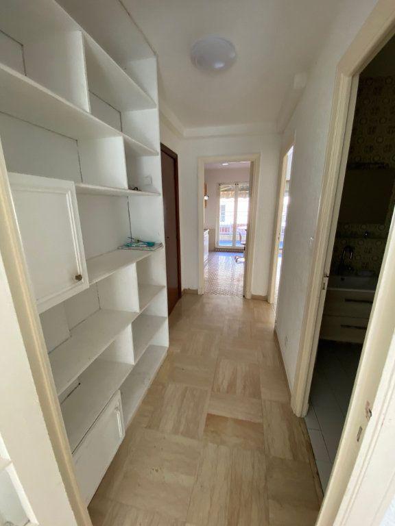 Appartement à louer 2 45.46m2 à Nice vignette-9