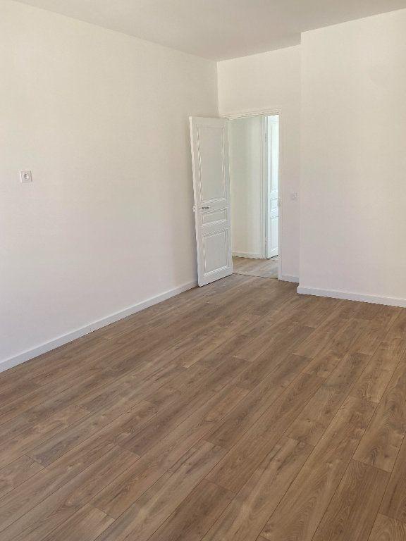 Appartement à louer 3 87.954m2 à Nice vignette-6