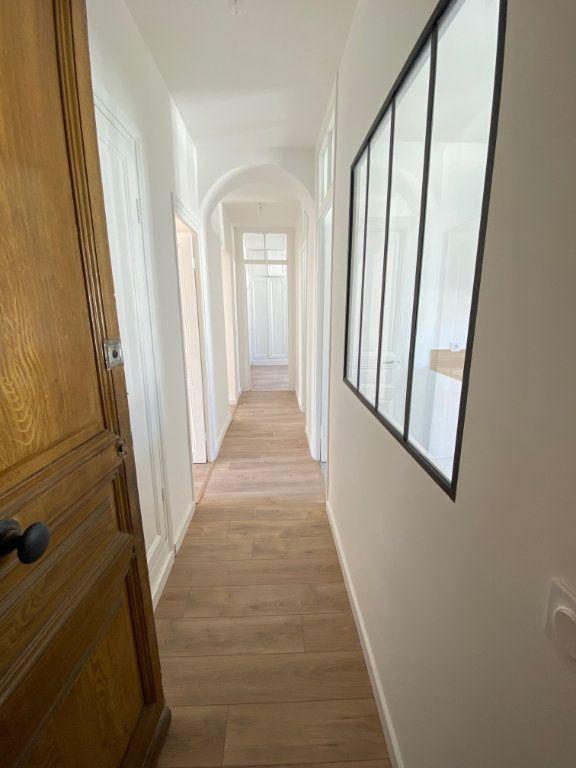 Appartement à louer 3 87.954m2 à Nice vignette-11