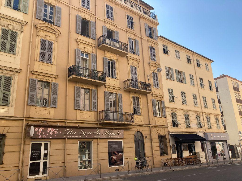 Appartement à louer 3 87.954m2 à Nice vignette-15