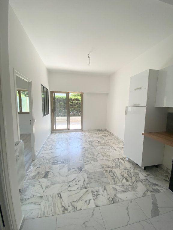 Appartement à louer 2 30m2 à Nice vignette-3