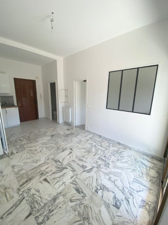 Appartement à louer 2 30m2 à Nice vignette-6
