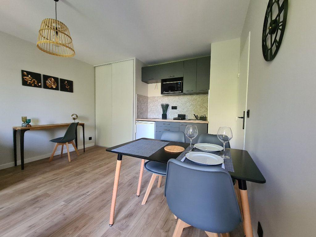 Appartement à louer 1 23.56m2 à Nice vignette-2