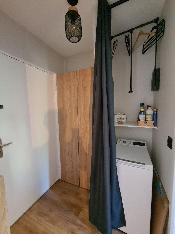Appartement à louer 1 23.56m2 à Nice vignette-8
