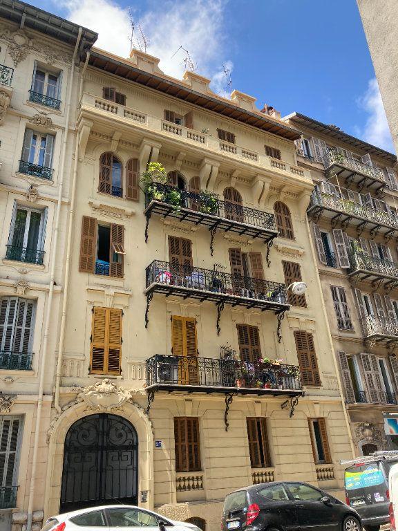 Appartement à louer 2 21m2 à Nice vignette-1